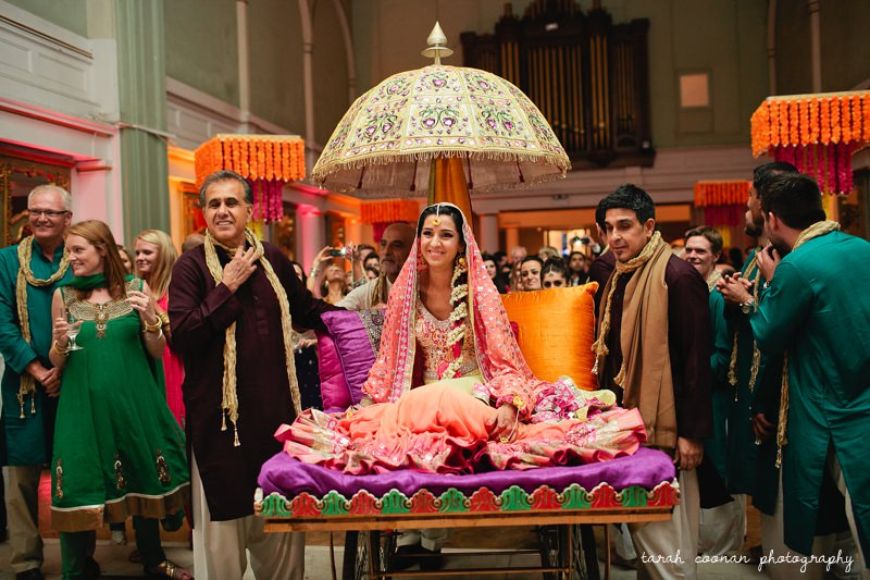 london bride mendhi entrance
