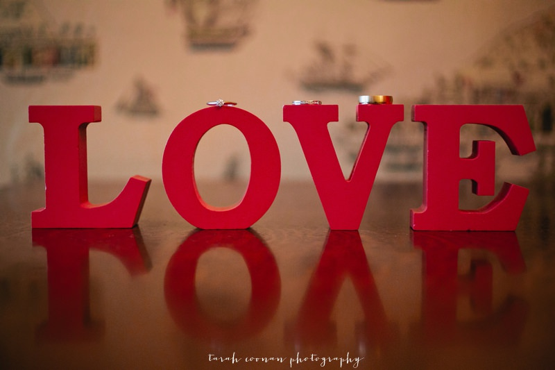 wedding ring love sign