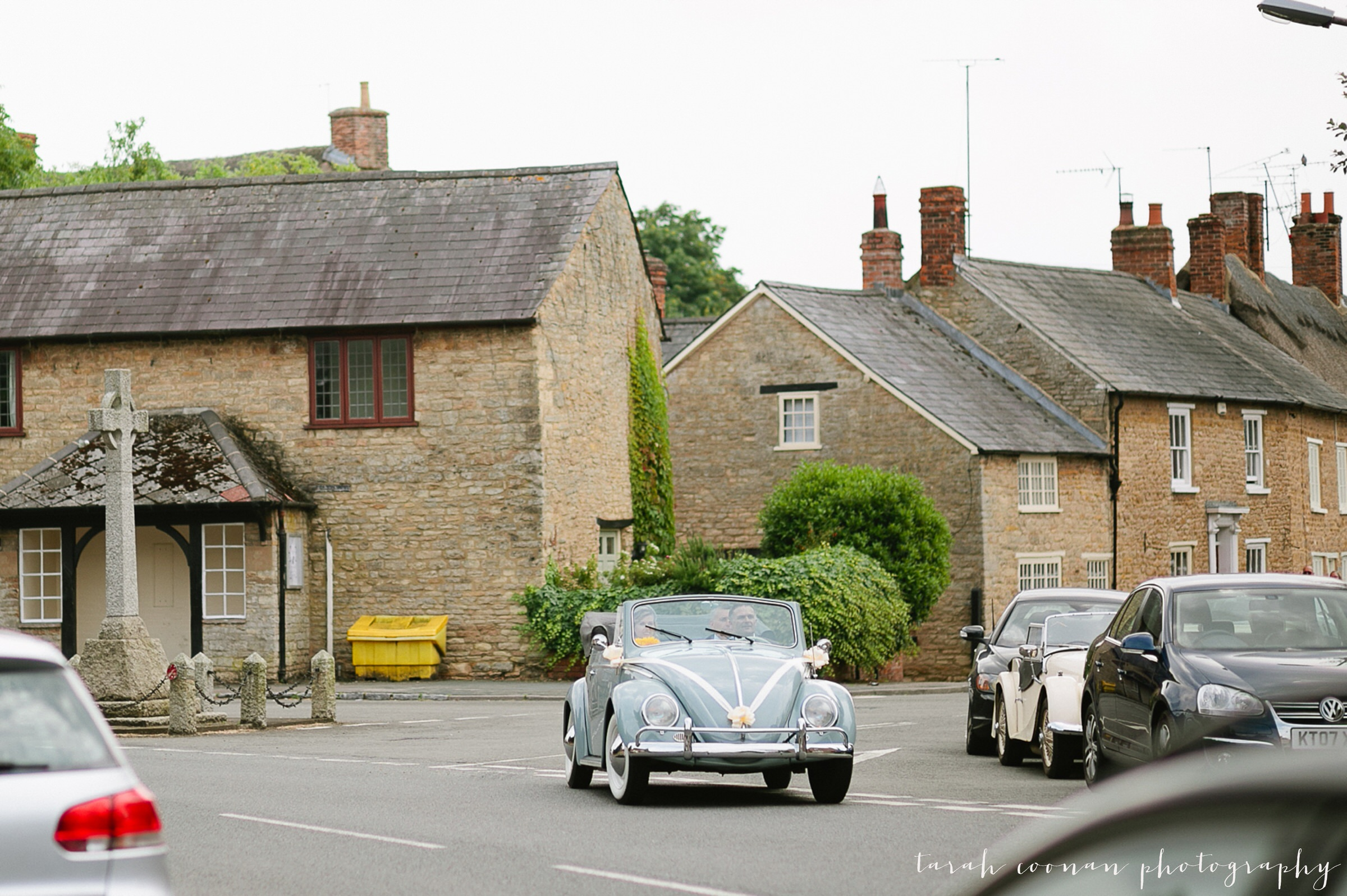 furtho-manor-farm-wedding_025