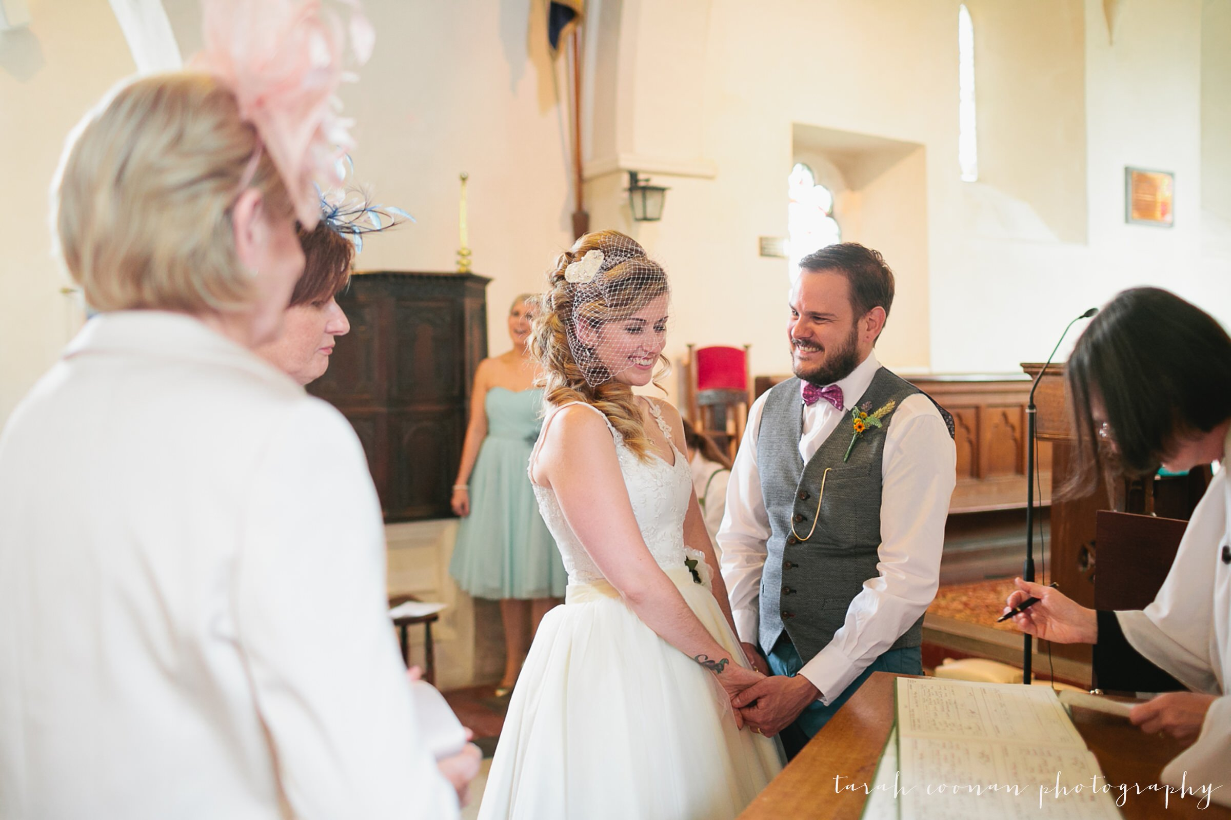 furtho-manor-farm-wedding_036
