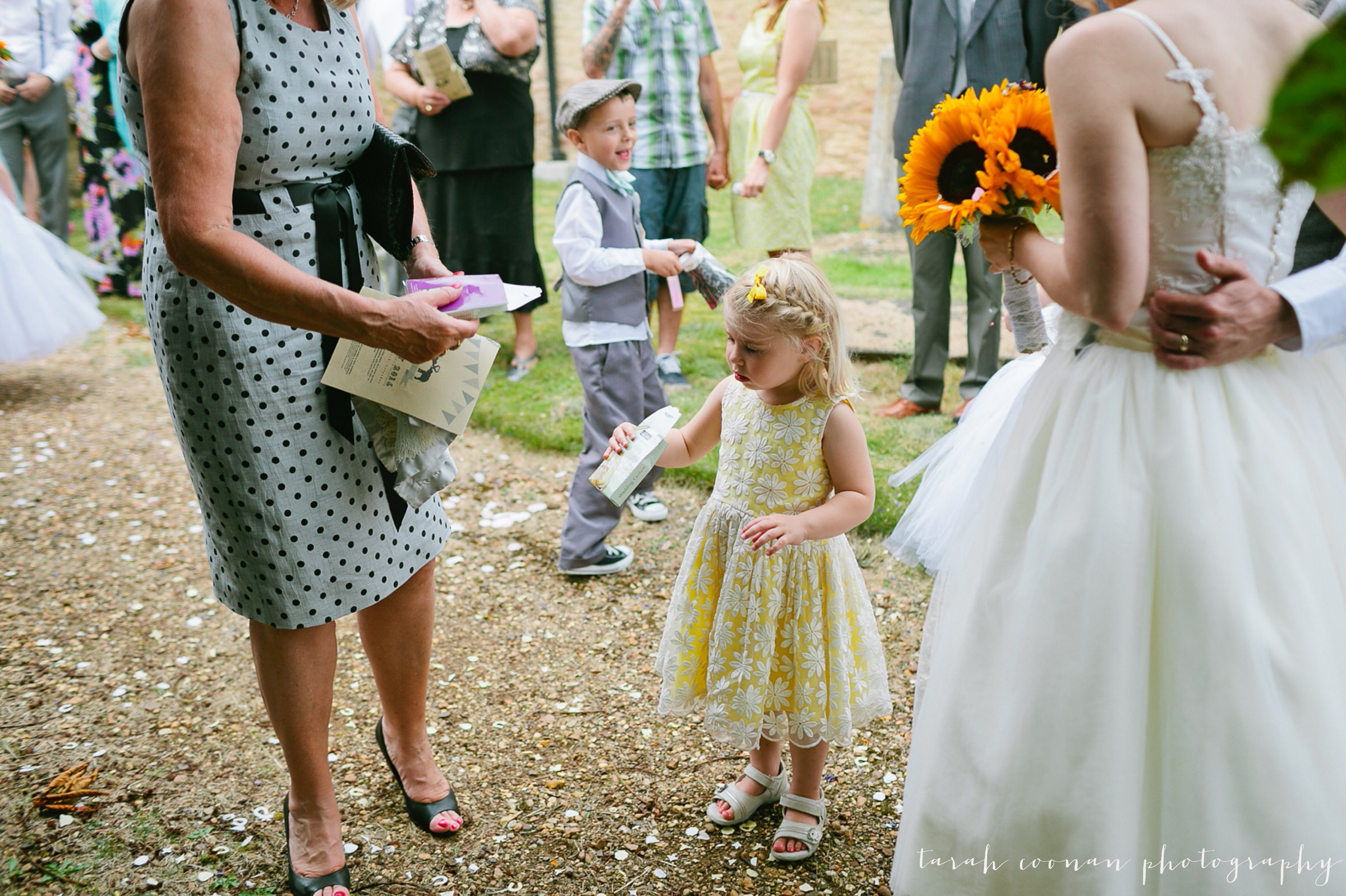 furtho-manor-farm-wedding_049