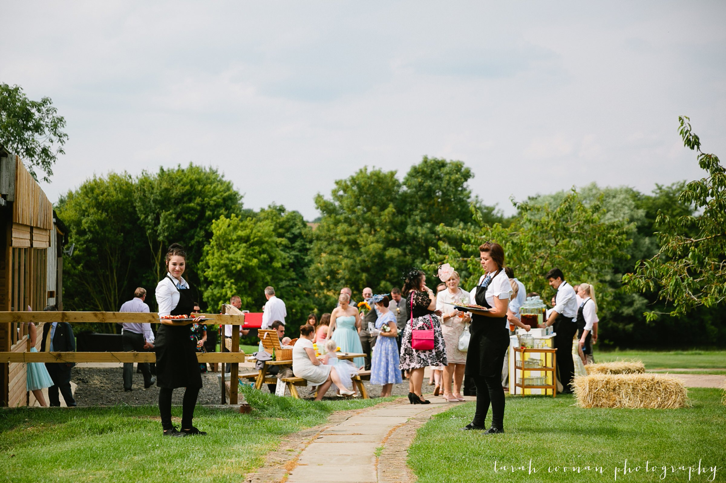 furtho-manor-farm-wedding_071