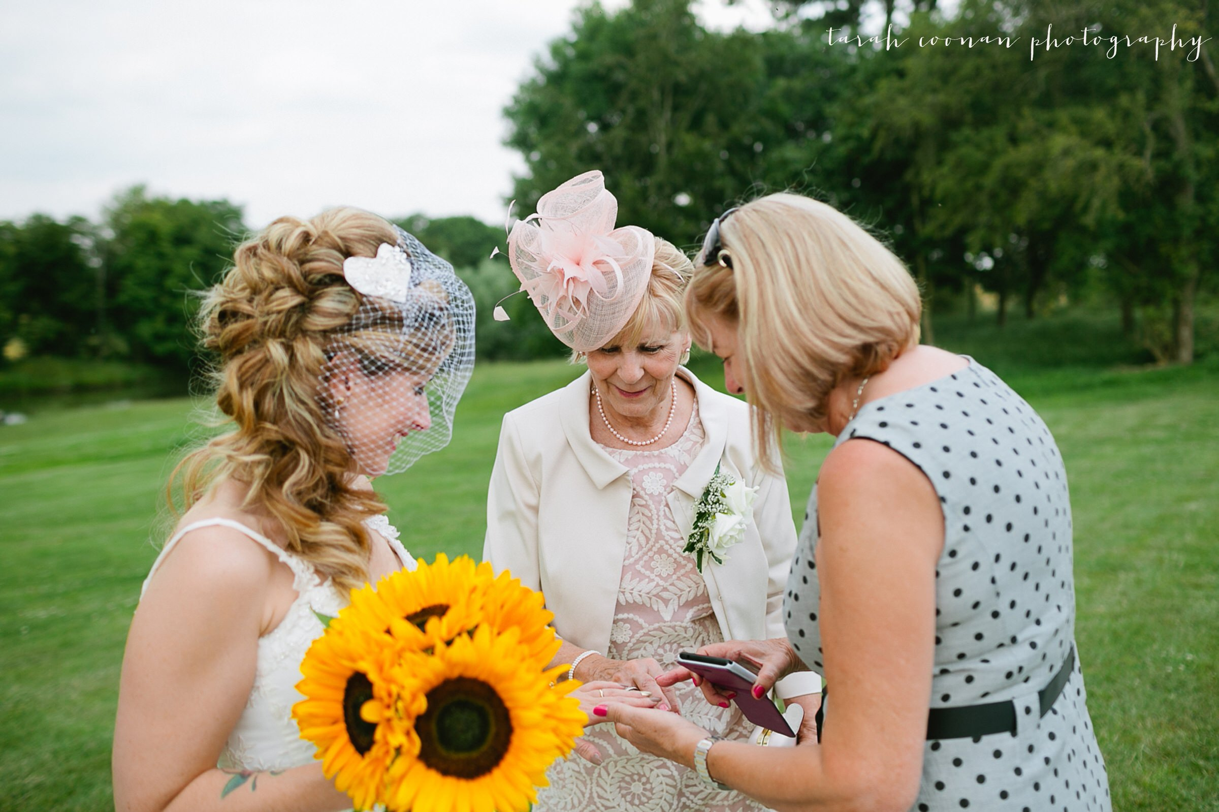 furtho-manor-farm-wedding_080