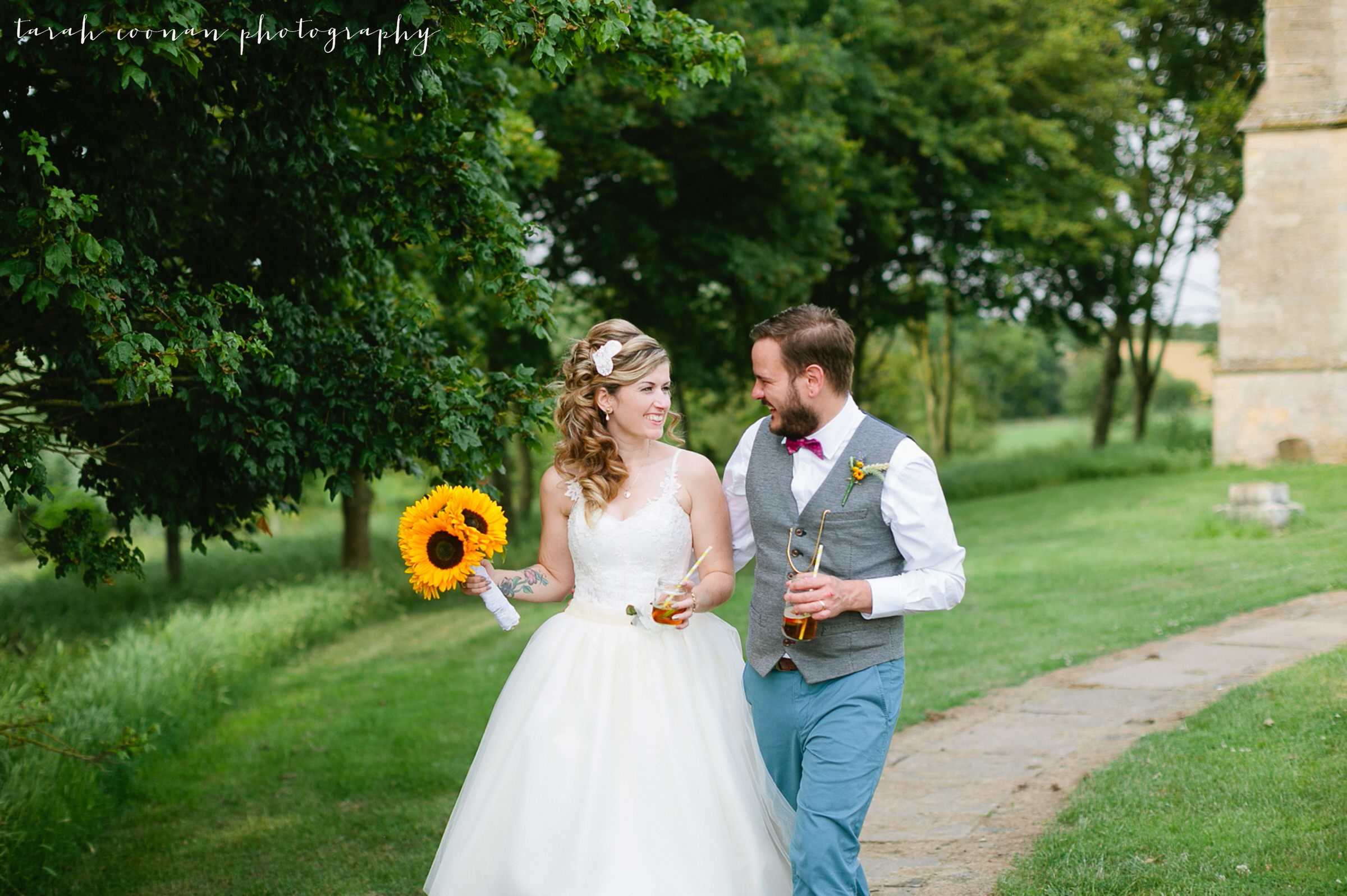 furtho-manor-farm-wedding_087