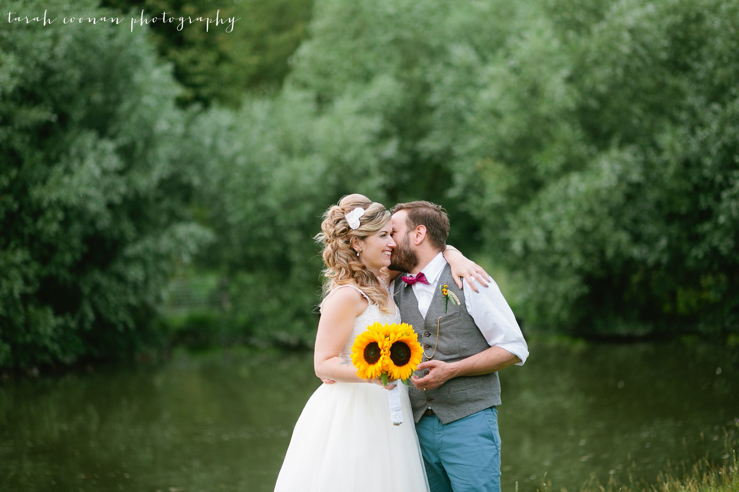furtho-manor-farm-wedding_125
