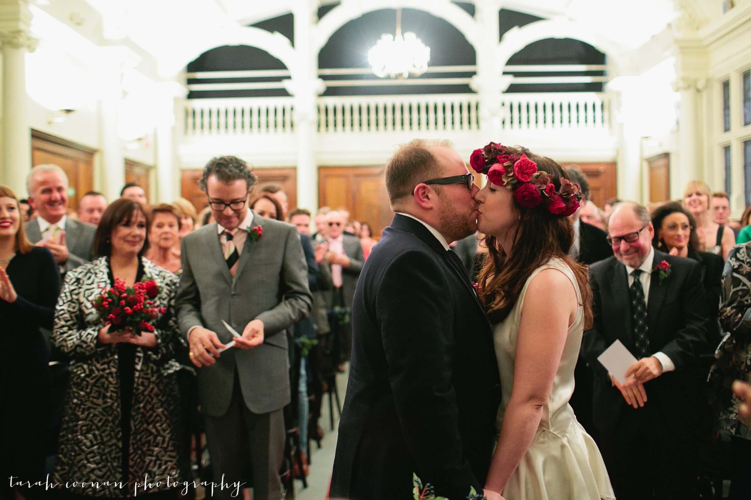 old-finsbury-town-hall-wedding_036