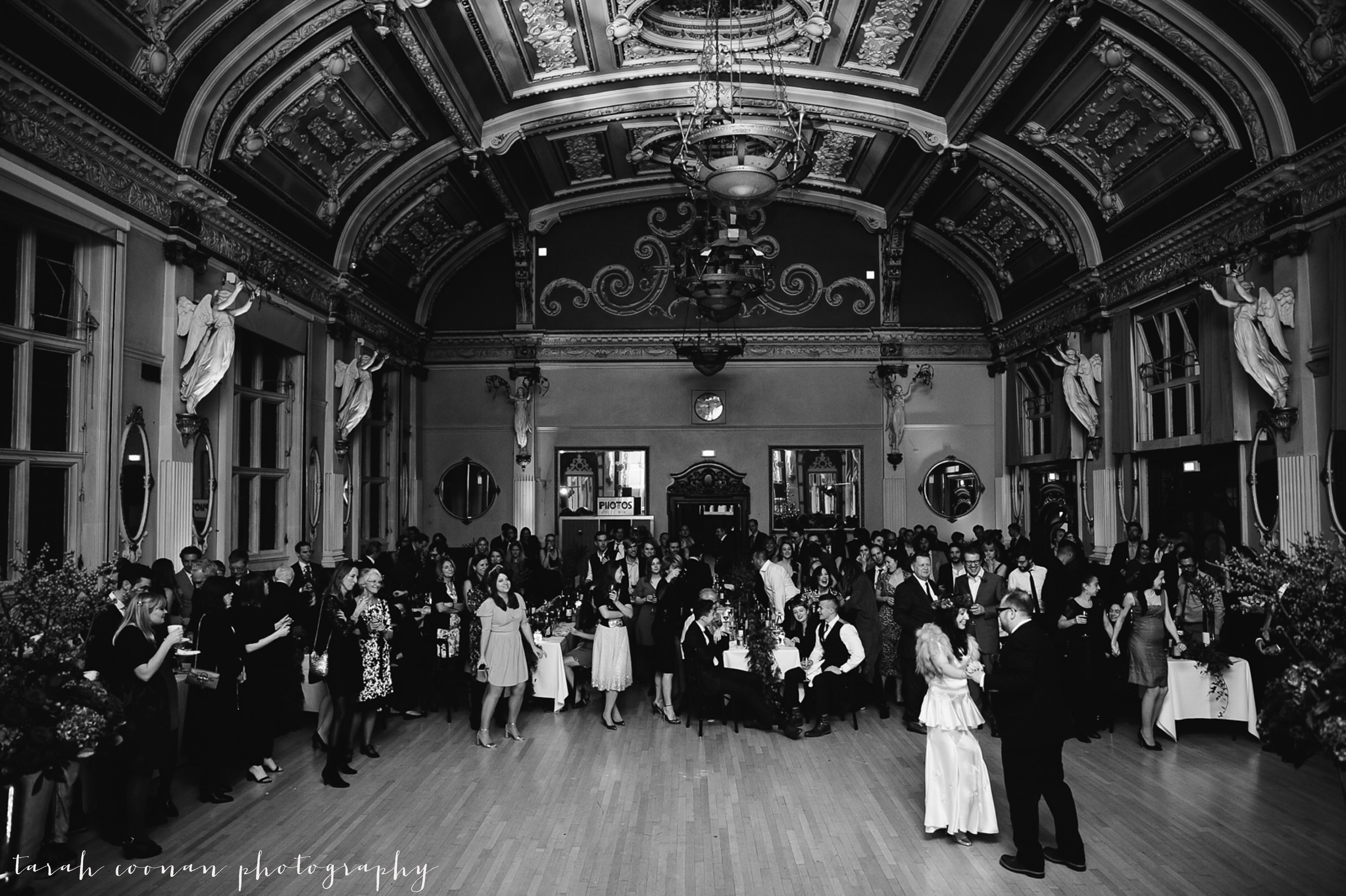 old-finsbury-town-hall-wedding_110