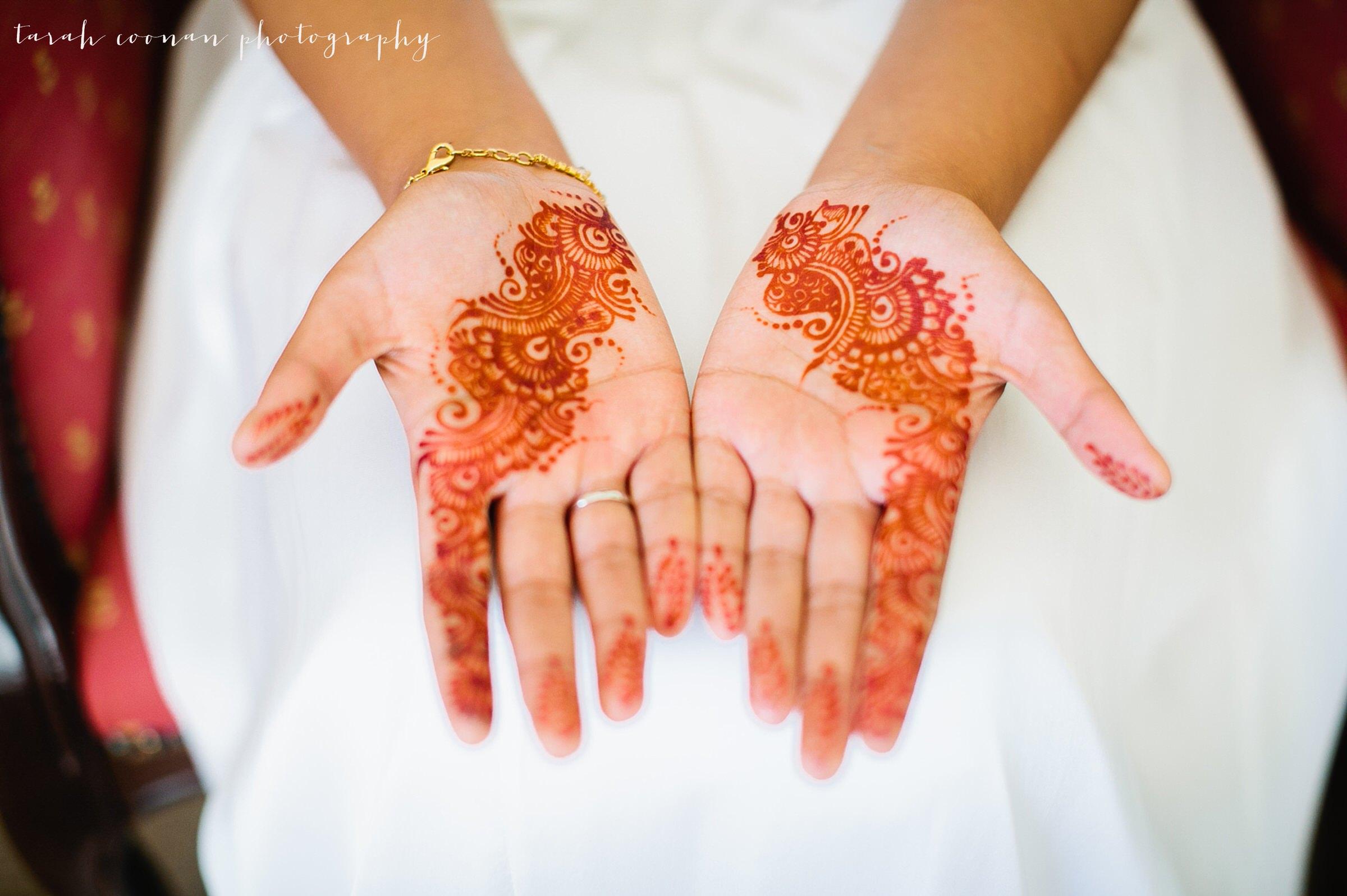 henna hands wedding