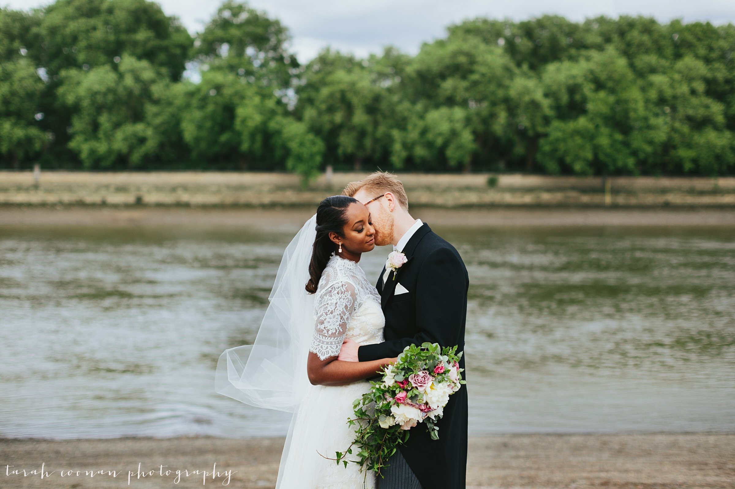 london river wedding
