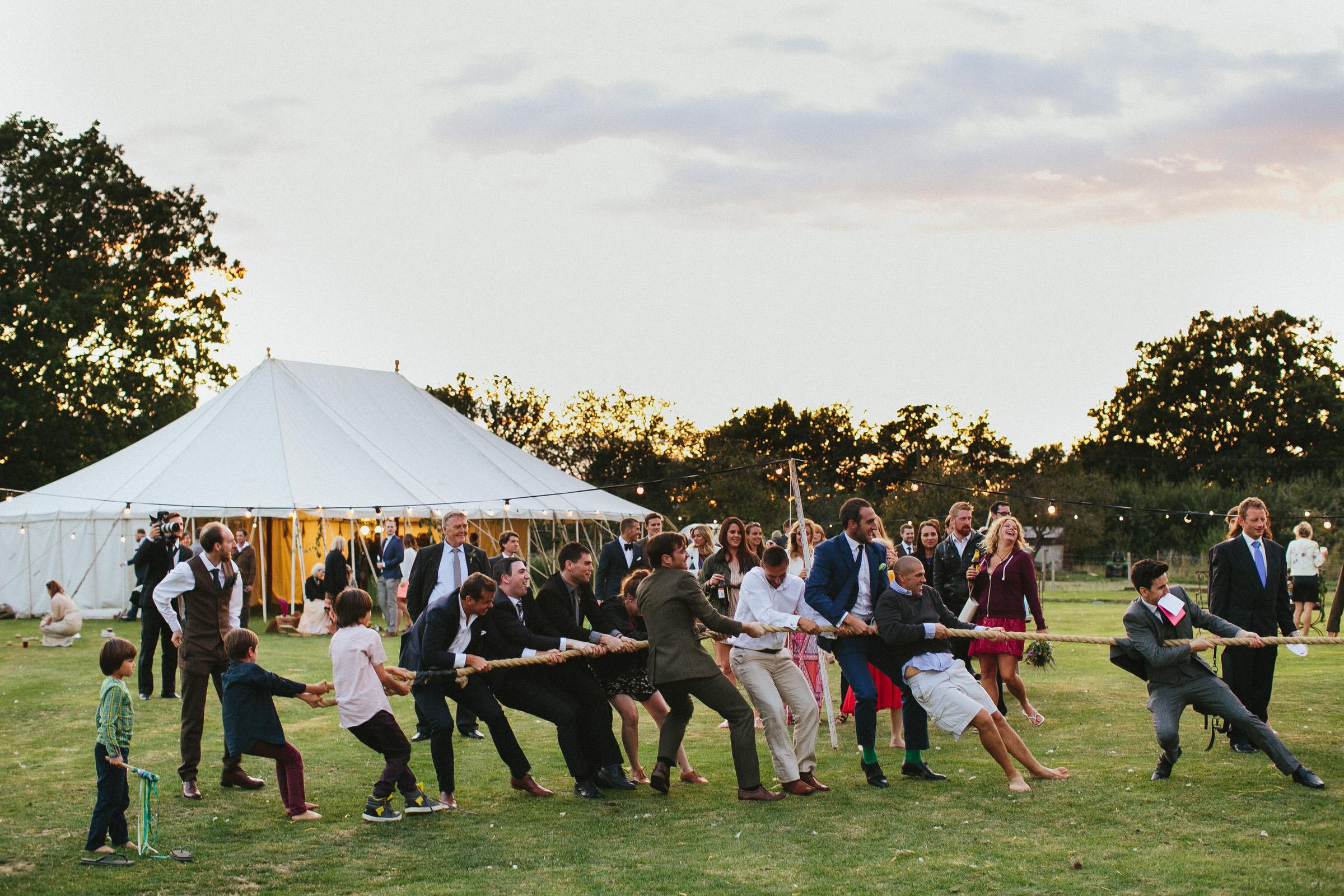 tug o war wedding