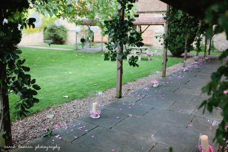 oak leaf walkway wedding