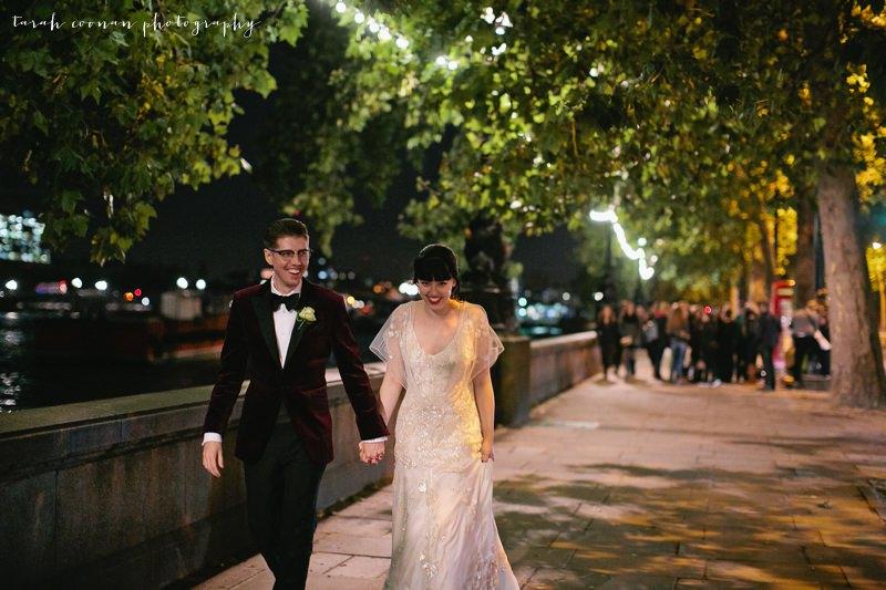 street lamp wedding photography