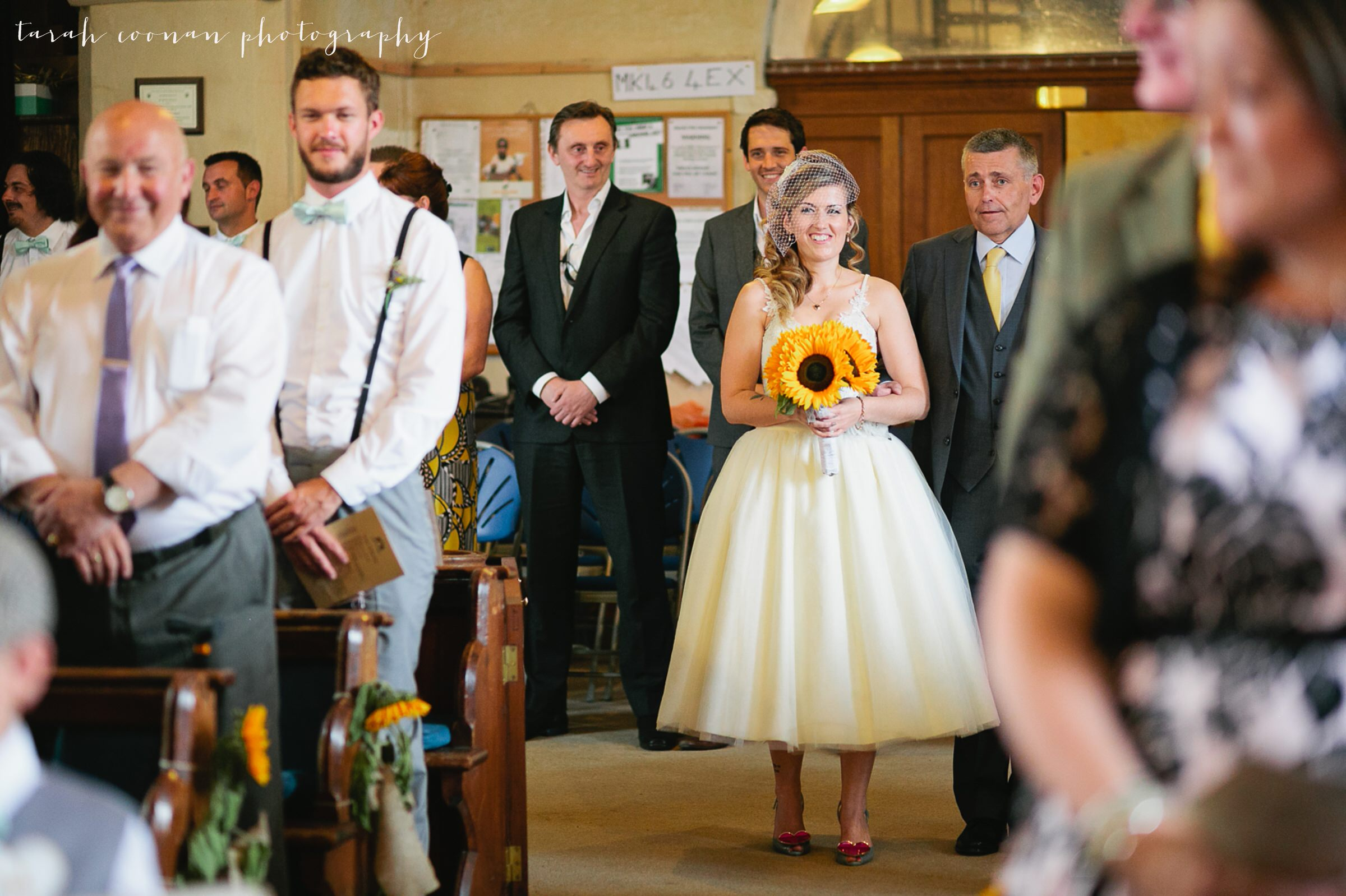furtho-manor-farm-wedding_030