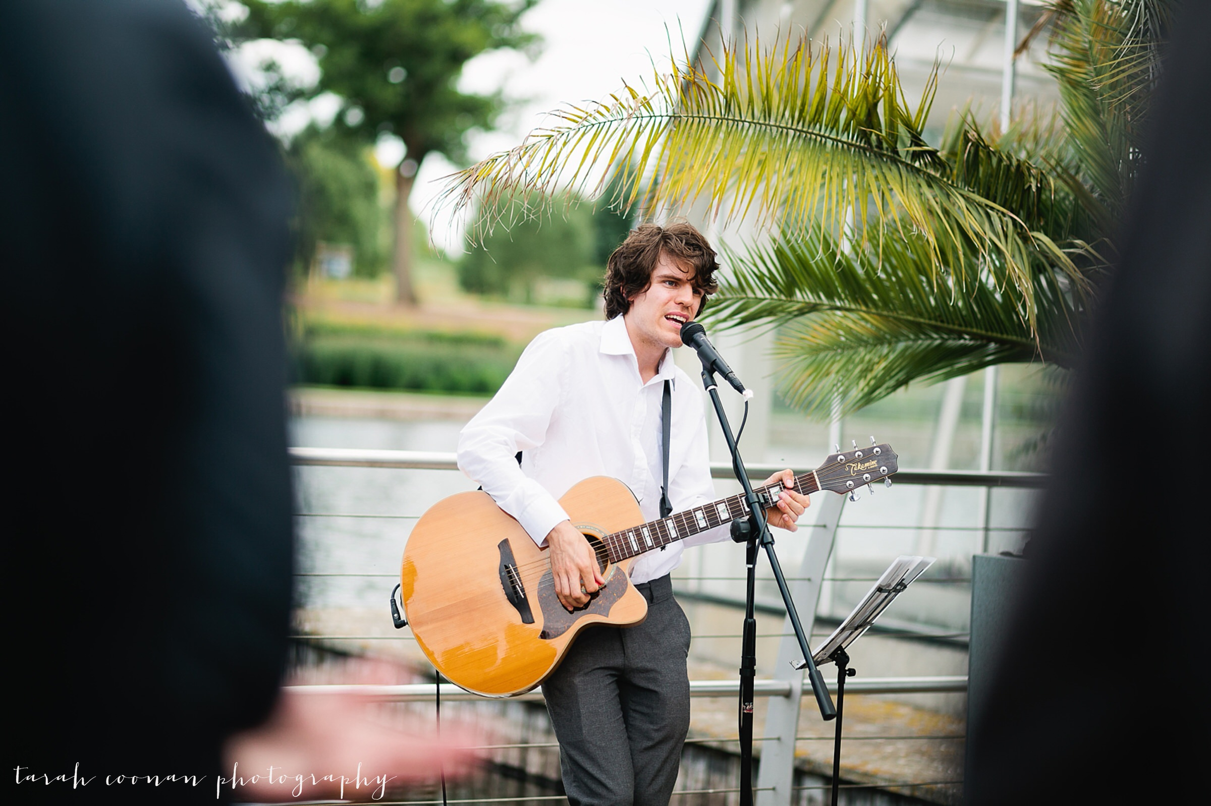 Bare Groove wedding guitarist