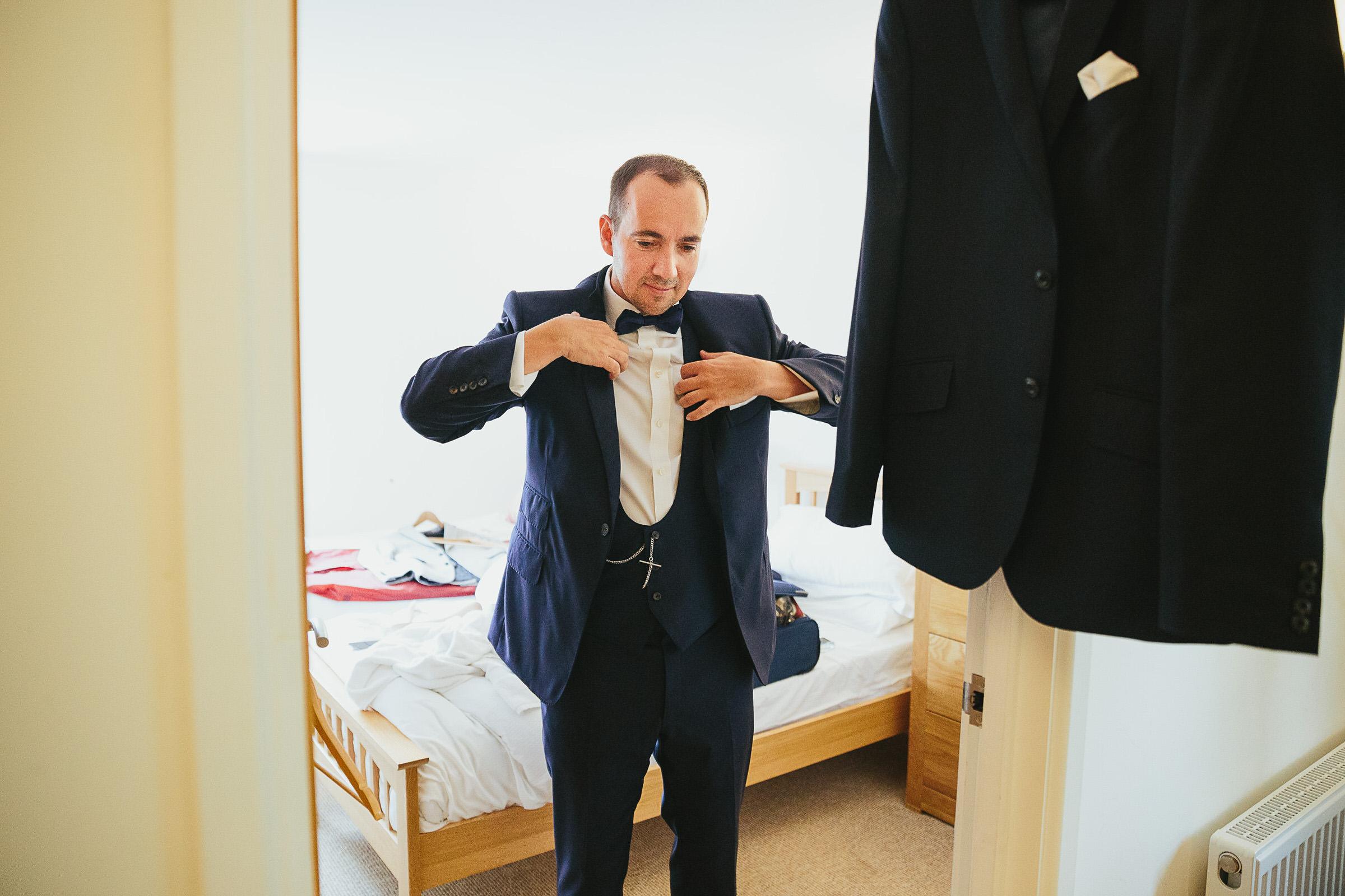 groom black tie uk