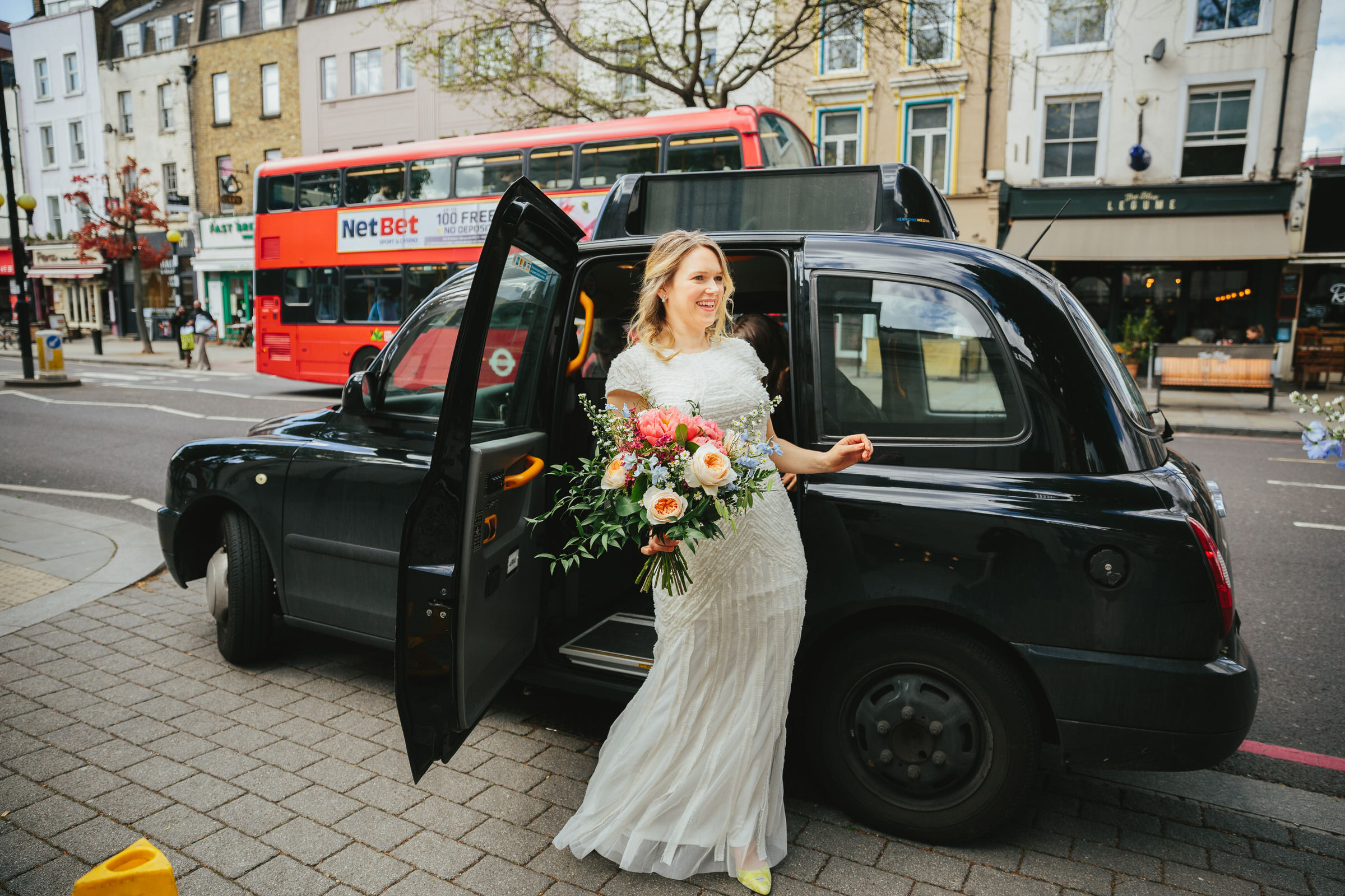 london-black-cab-wedding