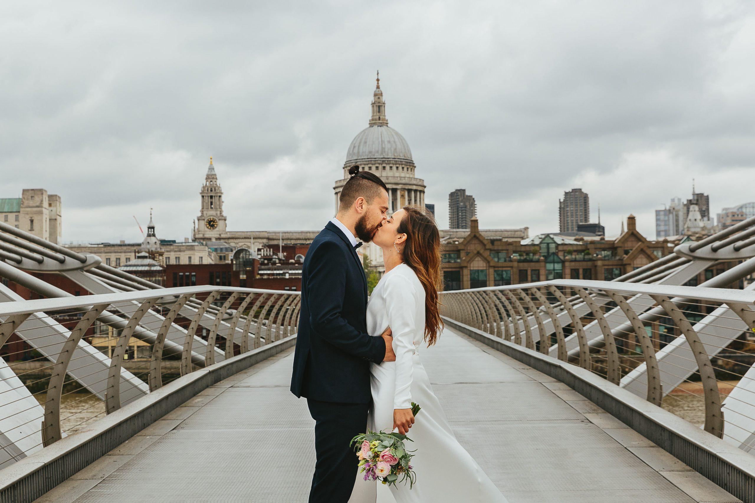 london milennium bridge wedding