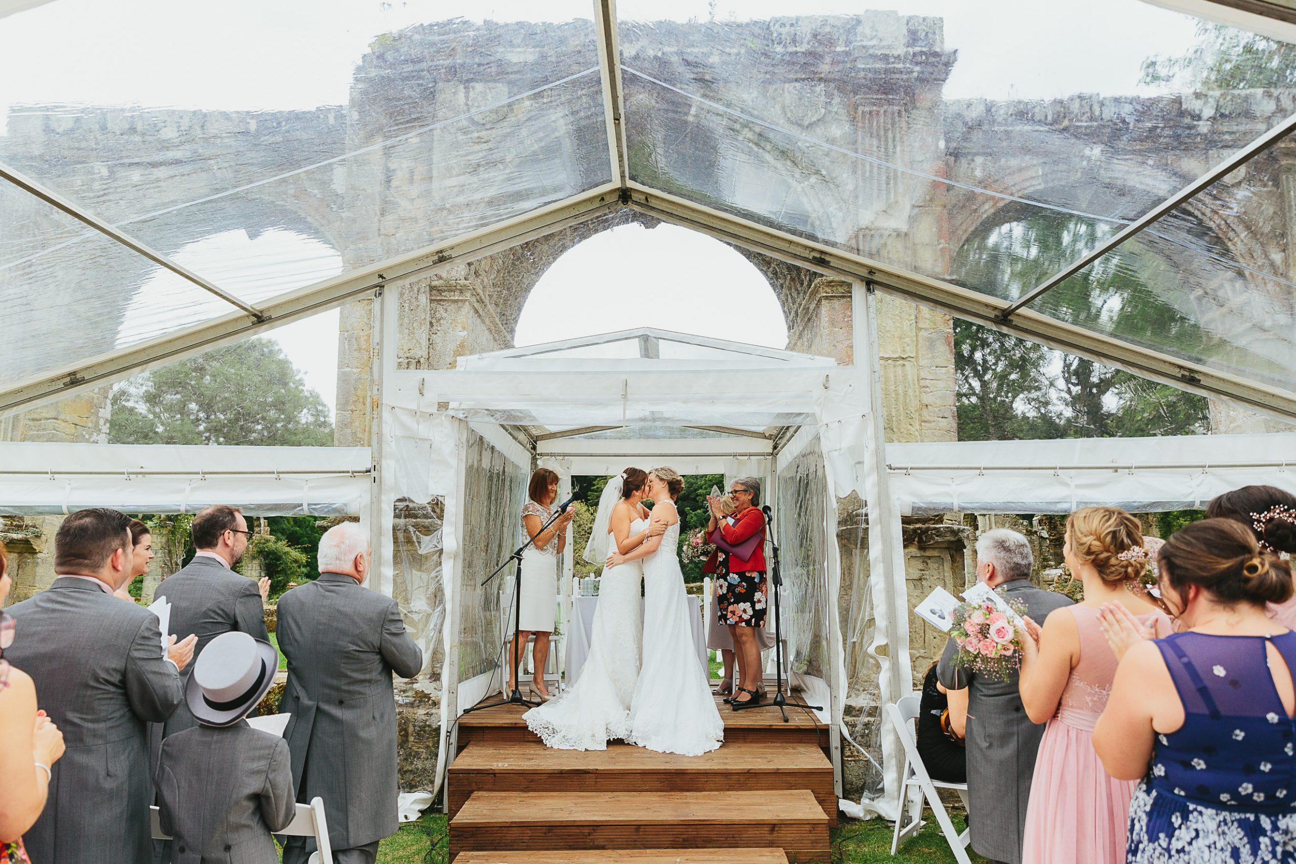 slaugham place rainy wedding